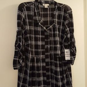 Black and white button down tunic